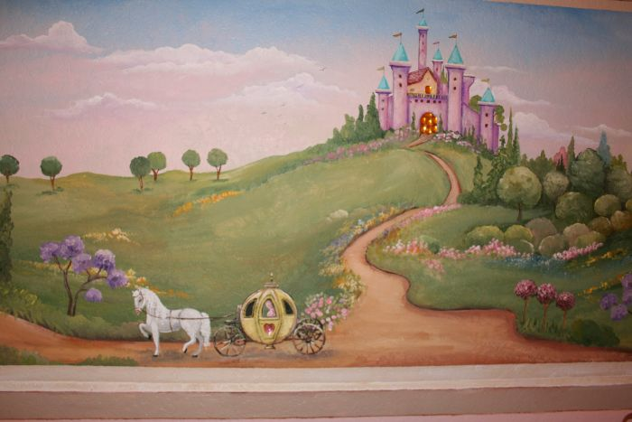 Children murals and decor ideas 4000 mural photo album for Castle mural kids room